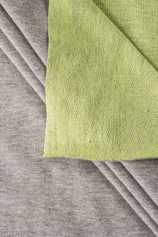 Dzianina dresowa pętelka szary melanż z zielonym spodem - 185cm 250g/m2