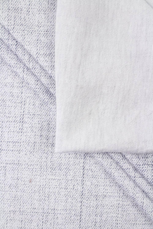Dzianina jersey biały z nadrukiem a'la jeans - 170cm 160g/m2