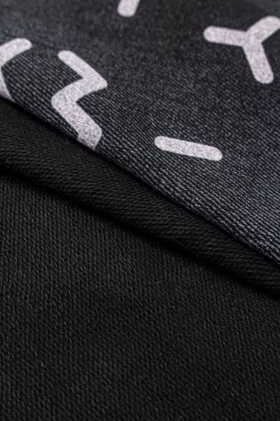 Dzianina dresowa pętelka czarny melanż z nadrukiem literek - 185cm 230g/m2 thumbnail