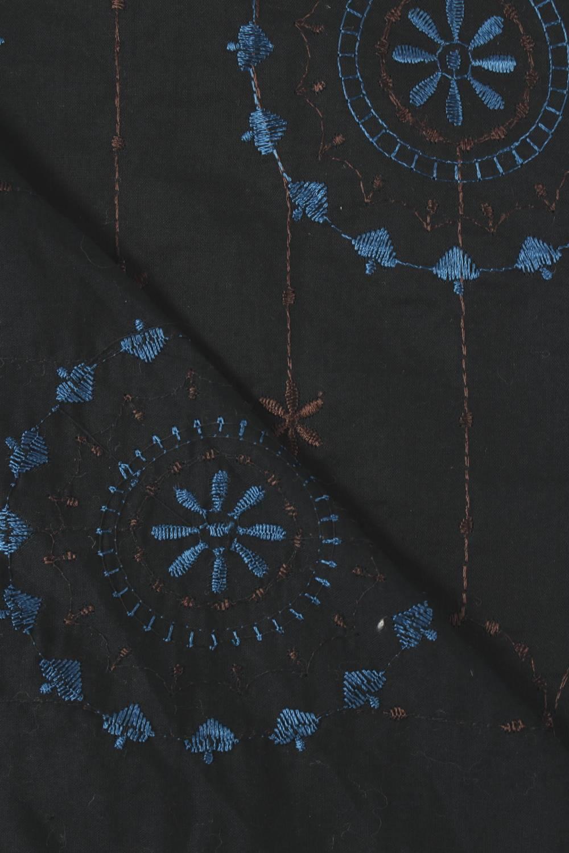 Tkanina bawełniana haftowana kwiaty boho czarna 140 cm 100 g/m2