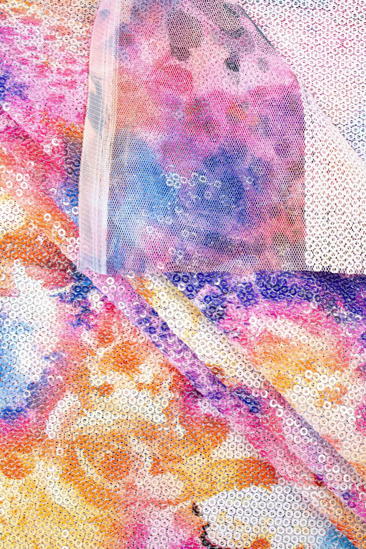 Cekiny na siateczce - kwiecisty wzór fioletowy - 140cm 180g/m2