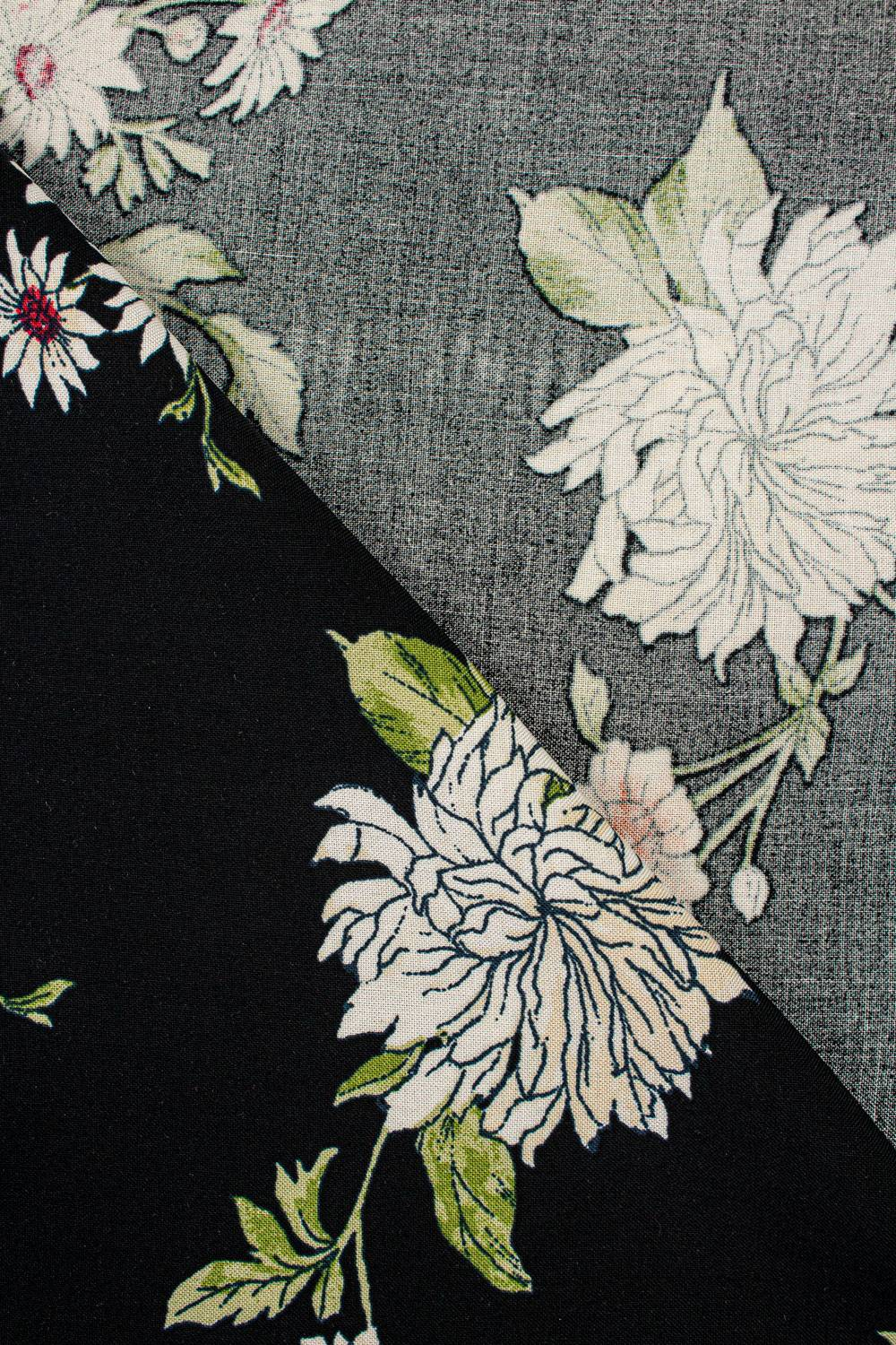 Fabric - Viscose - Black With Red & White Flowers - 140 cm - 130 g/m2