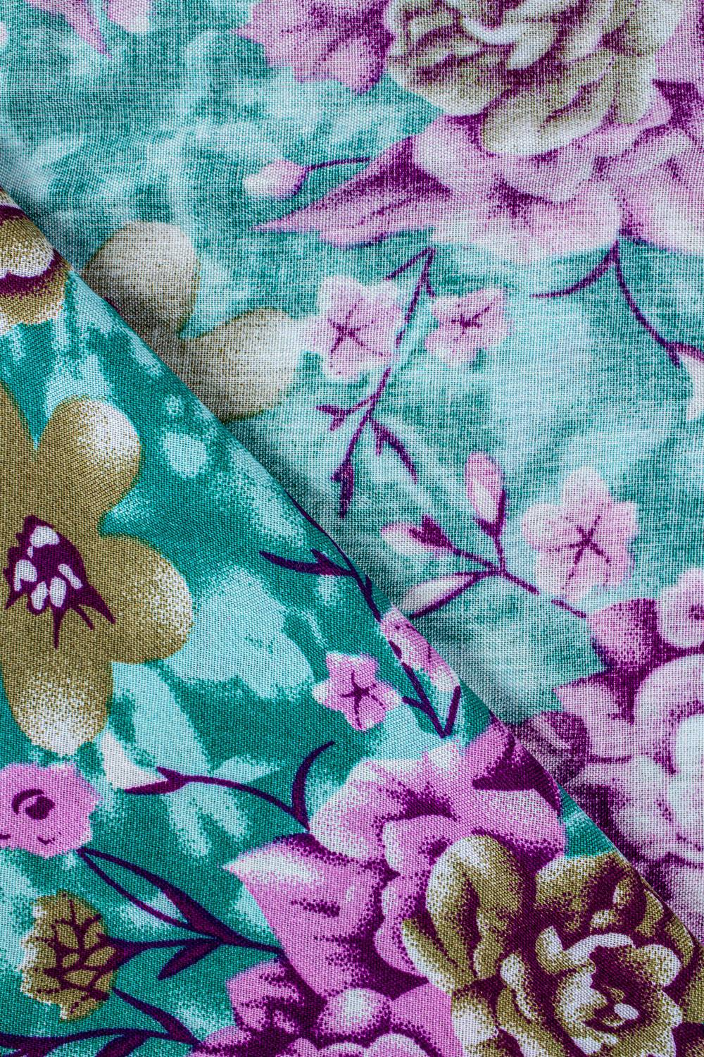 Fabric - Viscose - Turquoise With Pink Flowers - 140 cm - 130 g/m2