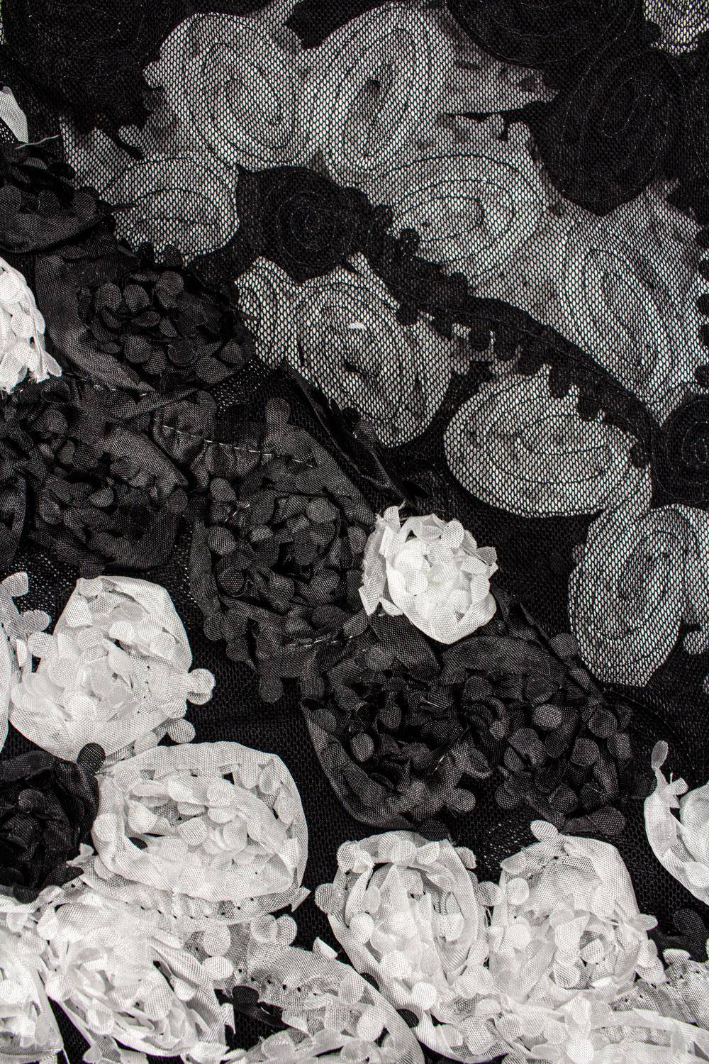 Fabric - Lace - 3D Flowers - White & Black - 130 cm - 180 g/m2