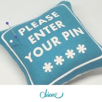 Hej, wprowadź swój pin…📢🤳❤️ **** A właściwie pinsa, czyli znaną (i lubianą) szpilkę!🔔📍👋  Może masz pod ręką zdjęcie swojej poduszki na szpilki❓  A może na Twoim stanowisku pracy są inne, kreatywne gadżety❓  Napisz o nich w komentarzu!😍 • . . . #dziane #szpilki #poduszka #pin #pins #krawcowa #pracowniakrawiecka #maszynadoszycia #szycie #szyjemywpolsce #samauszyłam #szyciowypiątek #uszylamniekupilam #dzianiny #tkaniny #enteryourpin