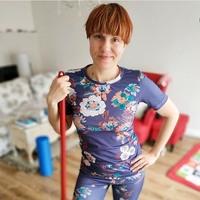 """@ateliermigla uszyła z """"dzianego"""" materiału wiosenny strój sportowy do ćwiczeń w domowym klubie fitness!🤸♀️🥇👌🏻Gratulujemy pomysłowości! • . . . #dziane #dzianiny #tkankny #strojfitness #zostańwdomu #strójsportowy #szyjemywpolsce #szyjebolubie #szycie #krawcowa #dyi #wdomu"""